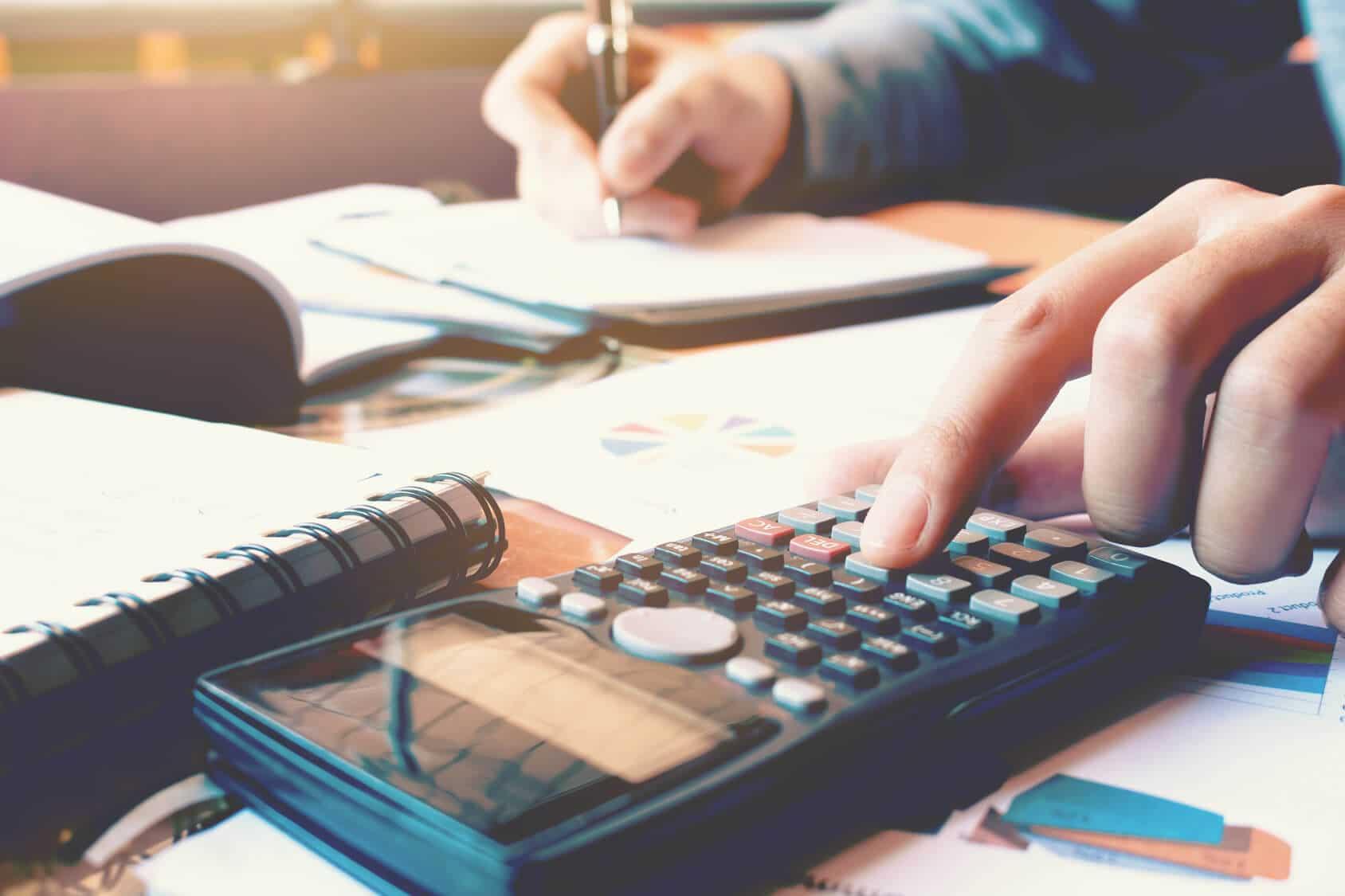 Steuerberater Kosten Was Kostet Ein Steuerberater Ratgeber 2019